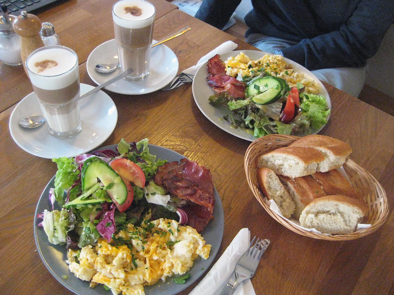 Künstlerisch Guten Morgen Frühstück Das Beste Von Von Zehn Frühstückern Bestellen Acht Das Frühstück
